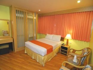 Standard room Ruamchitt Plaza hotel...